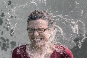 als-ice-bucket-challenge-awareness-cold-2874-825x550