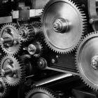 Nowe vs używane: opłacalność inwestycji w maszyny