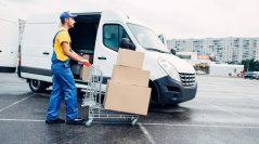 Kiedy przydają się usługi wypożyczalni samochodów dostawczych i busów?
