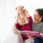 Dlaczego warto czytać dzieciom bajki po angielsku?