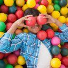 Basen z kulkami – wyroby z pianki dla dzieci